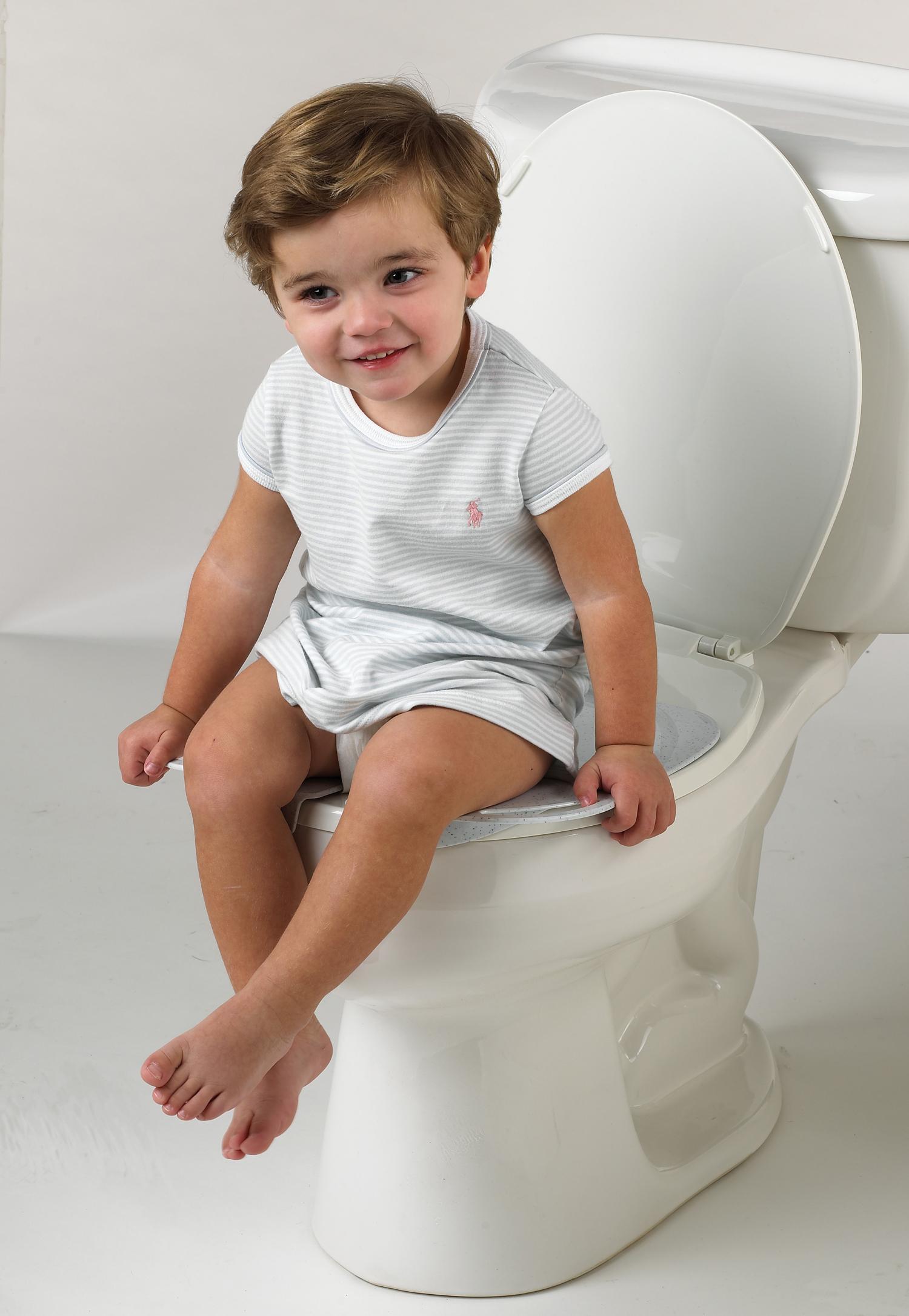 Giúp trẻ em tự đi toilet với bidet