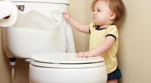 Dạy trẻ em tự đi toilet